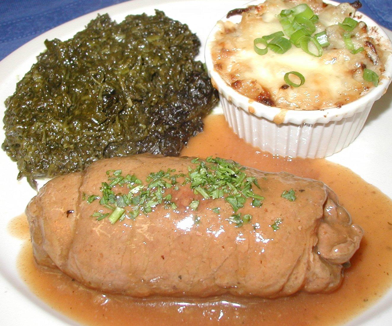 Rinder Rouladen mit Bratkartoffeln und Rotkraut